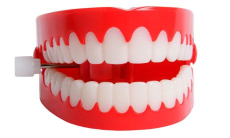 Chattering-Teeth-007