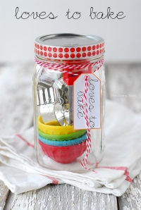 Baking gift in a jar from The Gunny Sack blog